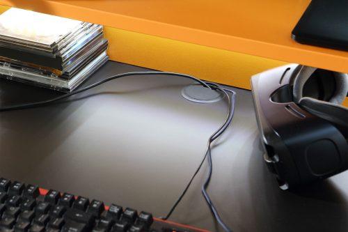 biurko gamingowe duże prowadzenie kabli tzrb212